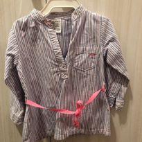 Camisa Carters  com detalhe de amarração com cinto - 9 a 12 meses - Carter`s