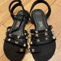 Sandália de dedinho - 30 - Não informada