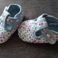 sapatinhos de tecido com florzinhas - 13 - Não informada