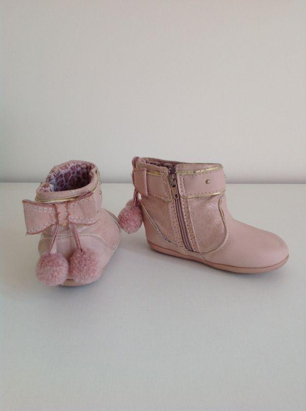 bd93f03589e3d0 Bota rosa cano baixo, Klin, tamanho 19