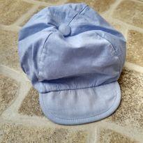 Boné de tecido azul claro