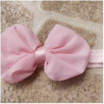 Faixa de cabelo com laço rosa claro -  - Artesanal