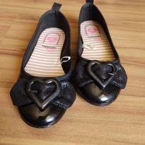 Sapatilha preta com fivela de coração - Molekinha - Tam. 26 - 26 - Molekinha