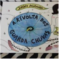 Livro paradidático A Revolta dos guarda chuvas de Sidónio Muralha -  - Editora Global