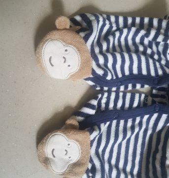 Macacao atoalhado - 9 meses - Carter`s e Little Me