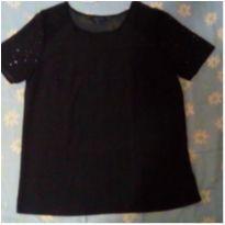 camisa preta com detalhes na manga em ótimo estado - M - 40 - 42 - Riachuelo