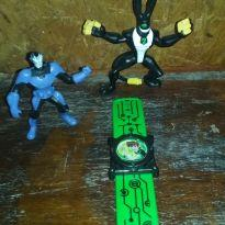 kit com 3 brinquedos do ben 10 -  - Mc Donald`s