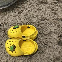 Crocs amarelinho - 23 - Crocs