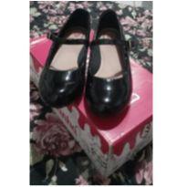 Sapato lindo de Verniz preto, estilo boneca. - 30 - Molekinha