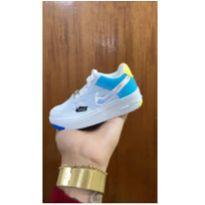 Tênis Nike Air Force Branco/Azul Holográfico Promoção Relampago Envio Rapido - 18 - Nike e Pronta entrega