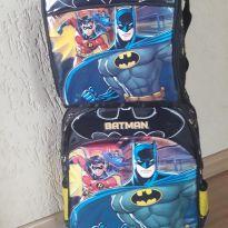 Mochila de rodinhas e Lancheira Batman