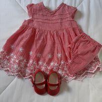 Vestido vermelho com sapatinho