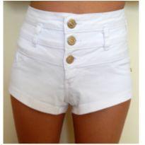 Shortinho branco cintura alta - 14 anos - Não informada
