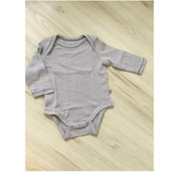 Kit com 3 bodies GAP - 3 a 6 meses - Baby Gap e GAP