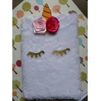 Caderno de pelúcia branca - unicórnio com cílios dourados- Tamanho 14x20cm -  - Personalizado