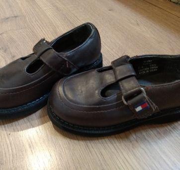 Sapato de Couro Tommy Hilfiger Tam. USA 6 e meio - Tam 21 BRA - 21 - Tommy Hilfiger