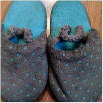 Pantufa Cinza e Azul - Tam 26 - 27 - Não informada