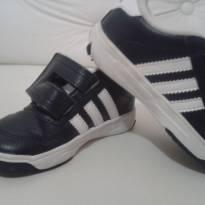 Tênis Adidas - 19 - Adidas