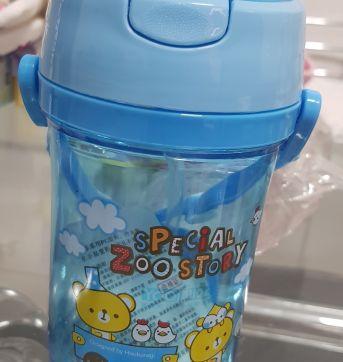 Copo com canudo retrátil 400 ml - Sem faixa etaria - Não informada