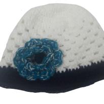 Touca de lã antialérgica branca e azul Marinho - 1 a 2 anos (quentinha, linda) - 2 anos - Artesanal