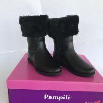 Bota preta - Pampili