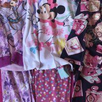 Pijamas - Disney Store e PUC - 6 anos - Disney