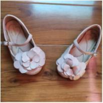 sapatinho flor branca - 23 - Pampili