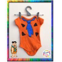 Body Fred Flintstones - Manga Curta - M (Laranja) (Cód. 073) - 3 a 6 meses - Genesis Confecções Kids