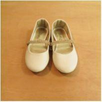 Sapato Branco Bué Tamanho 27