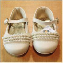 Sapato Bege Pérolas Tamanho 19 Klin Anatômico - 19 - Klin