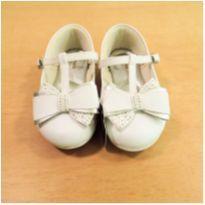 Sapato Branco Pampili Tamanho 22 - 22 - Pampili
