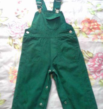 Jardineira verde - 12 a 18 meses - Chicletaria