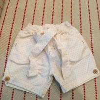 Shorts off-white com bolinhas marrons tamanho G - 6 meses - Chicletaria