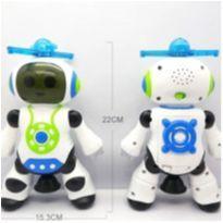 Brinquedo Robô Dança Gira 360 Graus Robot Som & Luz - Robo Dance -  - Importado