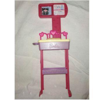 dois acessórios da boneca barbie médica e professora - Sem faixa etaria - Barbie