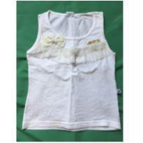 Blusinha Branca - 4 anos - Sem marca