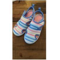 Sapato/sandália Carters Arco-iris Impermeável - novo! - 25 - Carter`s