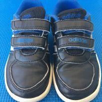 TÊNIS ADIDAS INFANTIL PRETO E AZUL - 24 - Adidas
