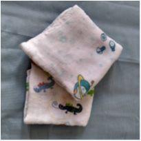 Kit com duas fraldas de pano estampadas -  - Não informada