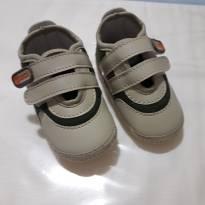 Sapatinho Bebê Menino em Tecido - Cor: Bege - Tam: 18
