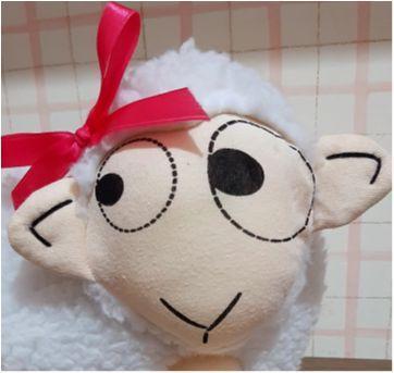 Peso de porta ovelhinha muito fofa - Sem faixa etaria - Imaginarium