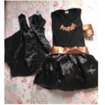 Fantasia batgirl - 8 anos - Não informada