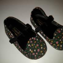 sapatilha preta e floral - pimpolho - 16 - Pimpolho