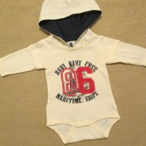 Body bege com CAPUZ - 0 a 3 meses - Baby Club
