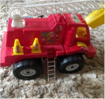 Caminhão de bombeiros - Sem faixa etaria - Sem marca