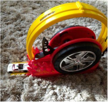 Roda giratória - Sem faixa etaria - Sem marca