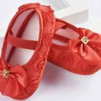 Sapato estilo boneca vermelho - 17 - Não informada