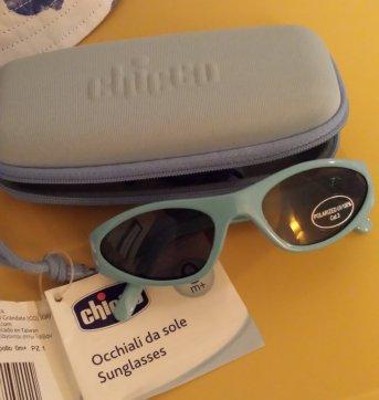 5e0ad96ac Kit praia Chicco (óculos de sol e chapéu 0 a 3 meses) no Ficou ...