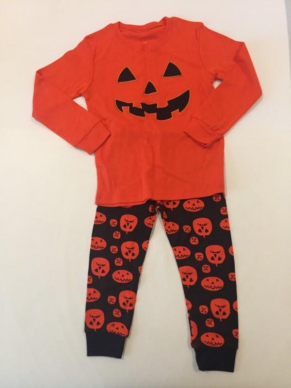 a92eaab3e Pijama - Tema Halloween - Marca Baby Gap - Tam 5 5 anos no Ficou ...