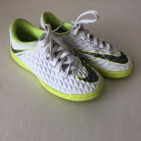 Chuteira Futsal Infantil Nike Hypervenom Phantom 3 Academy IC - Branco e Cinza - 30 - Nike